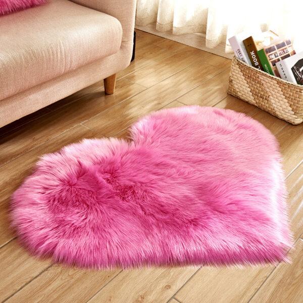 rose red heart fur rug